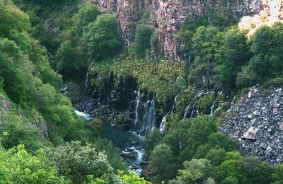 Dashbashi canyon waterfall